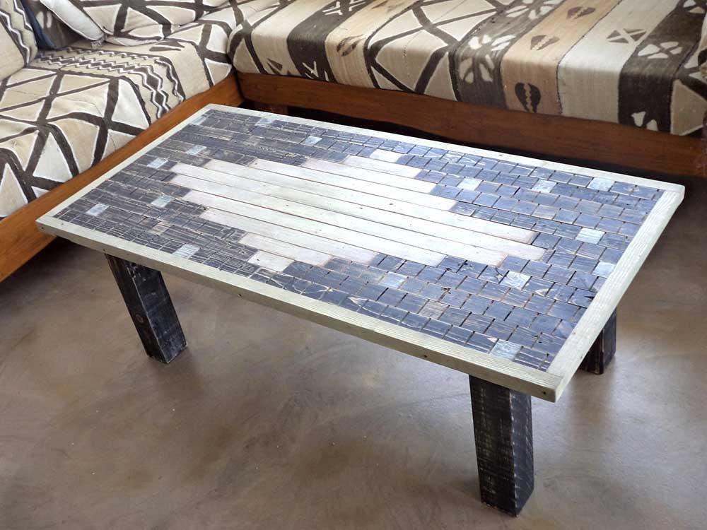 Tavolo in legno di riclico