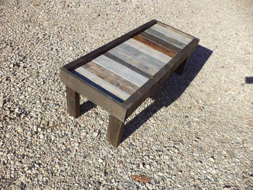 Tavolo in legno di riciclo