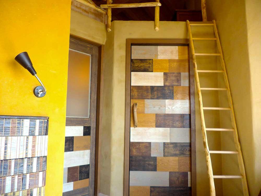 Porta in legno riciclato